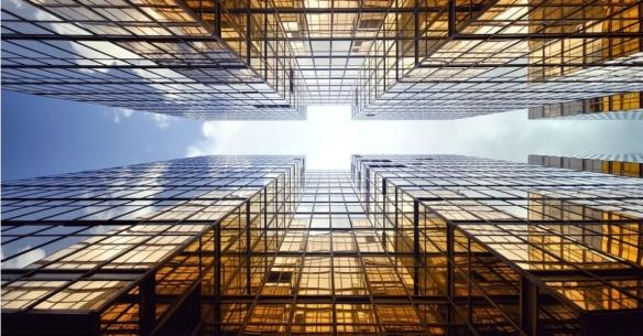 14mai2013---para-lagreze-o-clima-tem-grande-influencia-em-seu-processo-criativo-ele-diz-que-um-ceu-azul-com-nuvens-confere-mais-