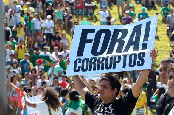 large_20130619180449-20130619180449-fora-corruptos